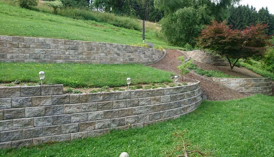 Teipel_Gartenmauer_MT_Gartendesign02
